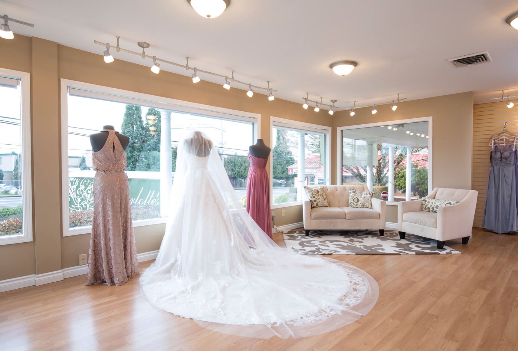 DO I NEED TO MAKE AN APPOINTMENT TO TRY ON WEDDING GOWNS?